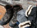 Frozen gloves in Vittorio Sella