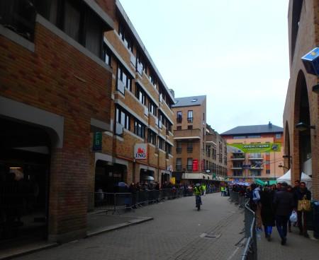 Rue des Wallons, during the 24 heures de vélo, Louvain-la-Neuve, Oct. 21, 2015